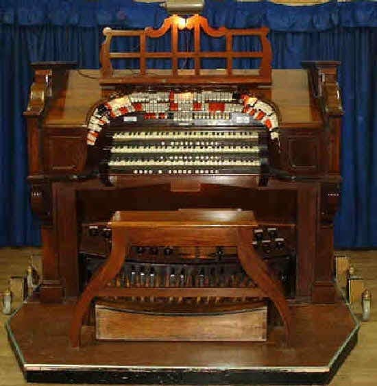 Gosport and District Organ Club: Paul Francis - Gosport and District Organ Club
